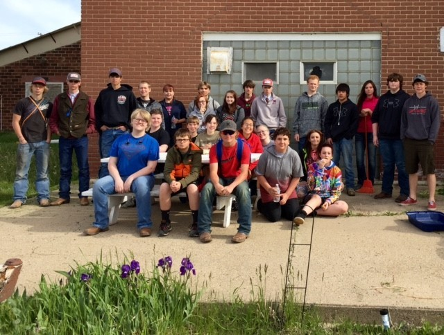 Alexander High School helps with Museum Clean Up Day!